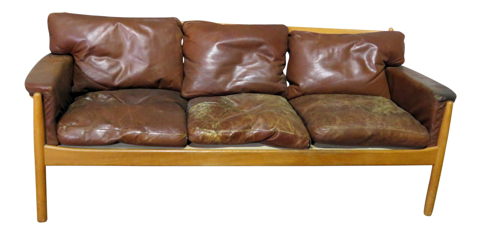 Etonnant Danish Distressed Leather Sofa