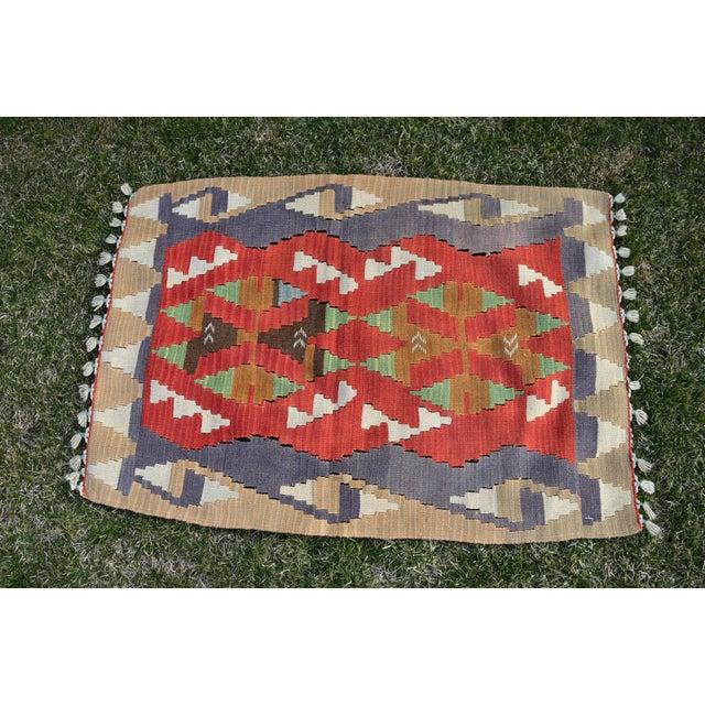 1970s Turkish Traditional Handwoven Anatolian Nomadic Rustic Style Oushak Kilim Rug For Sale - Image 5 of 13