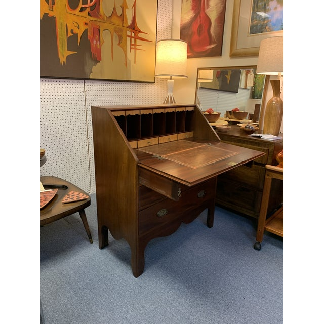 Chippendale 19th Century Chippendale English Hepplewhite Style Drop Top Desk For Sale - Image 3 of 12