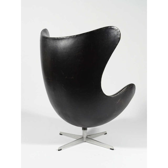 Black Rare 1st Generation Egg Chair by Arne Jacobsen For Sale - Image 8 of 9