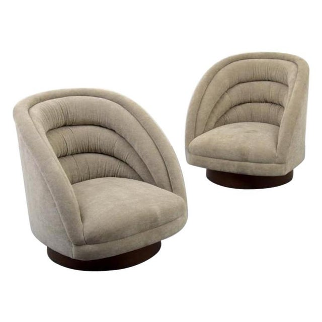 Textile Pair of Kagan Crescent Swivel Lounge Chairs, Usa, 1969 For Sale - Image 7 of 7