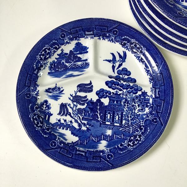 August Hashagen New York Blue Willow Grill Plates Made in England - Set of 6 For Sale In Boston - Image 6 of 9