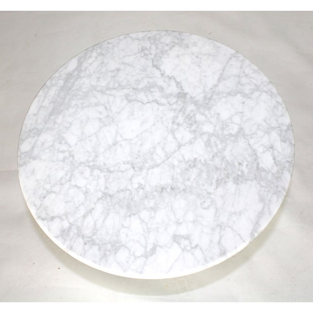 Two Saarinen Style Marble Side Tables - Image 3 of 3