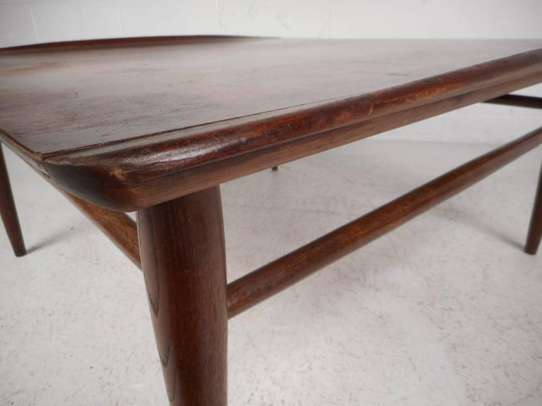 Brown Mid Century Modern Square Walnut Coffee Table By Bassett For Sale    Image 8