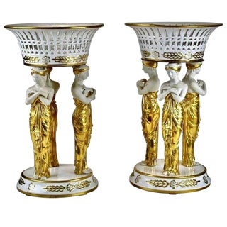 Pair of 19th Century Paris Porcelain Neoclassical Corbeille or Centrepieces For Sale