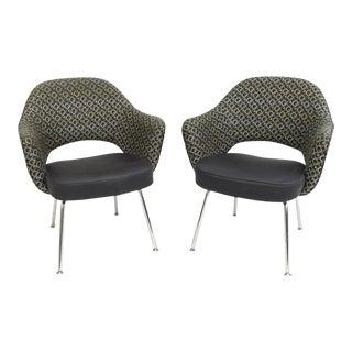 Saarinen Knoll Executive Arm Chairs - A Pair For Sale