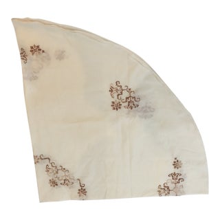 1950s Vintage Embroidered Table Cloth For Sale
