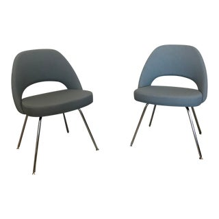 Knoll Saarinen Mid-Century Modern Gray Upholstered Side Chairs - a Pair For Sale
