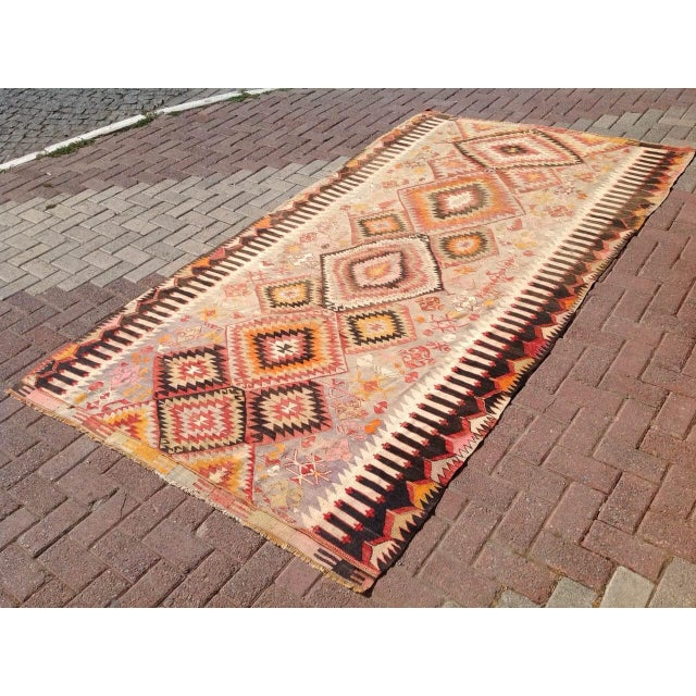 "Vintage Turkish Kilim Rug - 5'5"" X 9'11"" - Image 3 of 6"