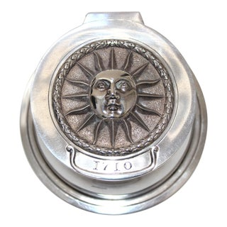 Vintage Thomas Bradbury & Son, Starburst Face Motif Sheffield Silver Plate Ink Well With Hallmarks For Sale
