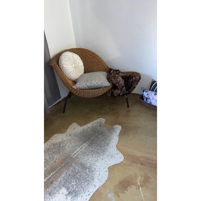 Modern Vintage Modern Wicker Chaise Lounge For Sale - Image 3 of 8