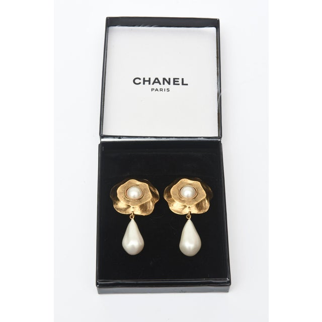 Chanel Chanel Gold Plated and Faux Pearl Camelia Flower Dangle Clip on Earrings Vintage For Sale - Image 4 of 9