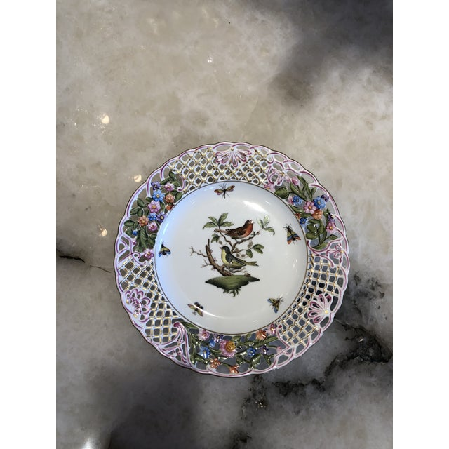 English Traditional Herend Hand Painted Porcelain Rothchild Bird Decorative Plate For Sale - Image 12 of 12