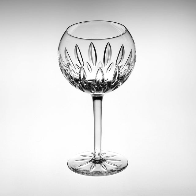 Contemporary Set of Four English Cut Crystal Wine Glasses For Sale - Image 3 of 3
