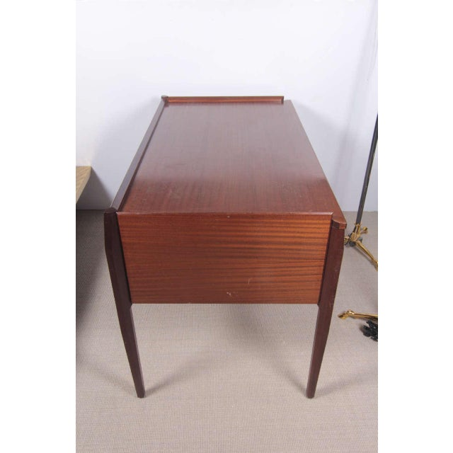 Wood 1950s Italian Desk attributed to Gio Ponti For Sale - Image 7 of 9