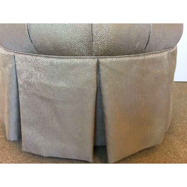 Kincaid Modern Gray and Gold Round Tufted Ottoman For Sale - Image 4 of 5