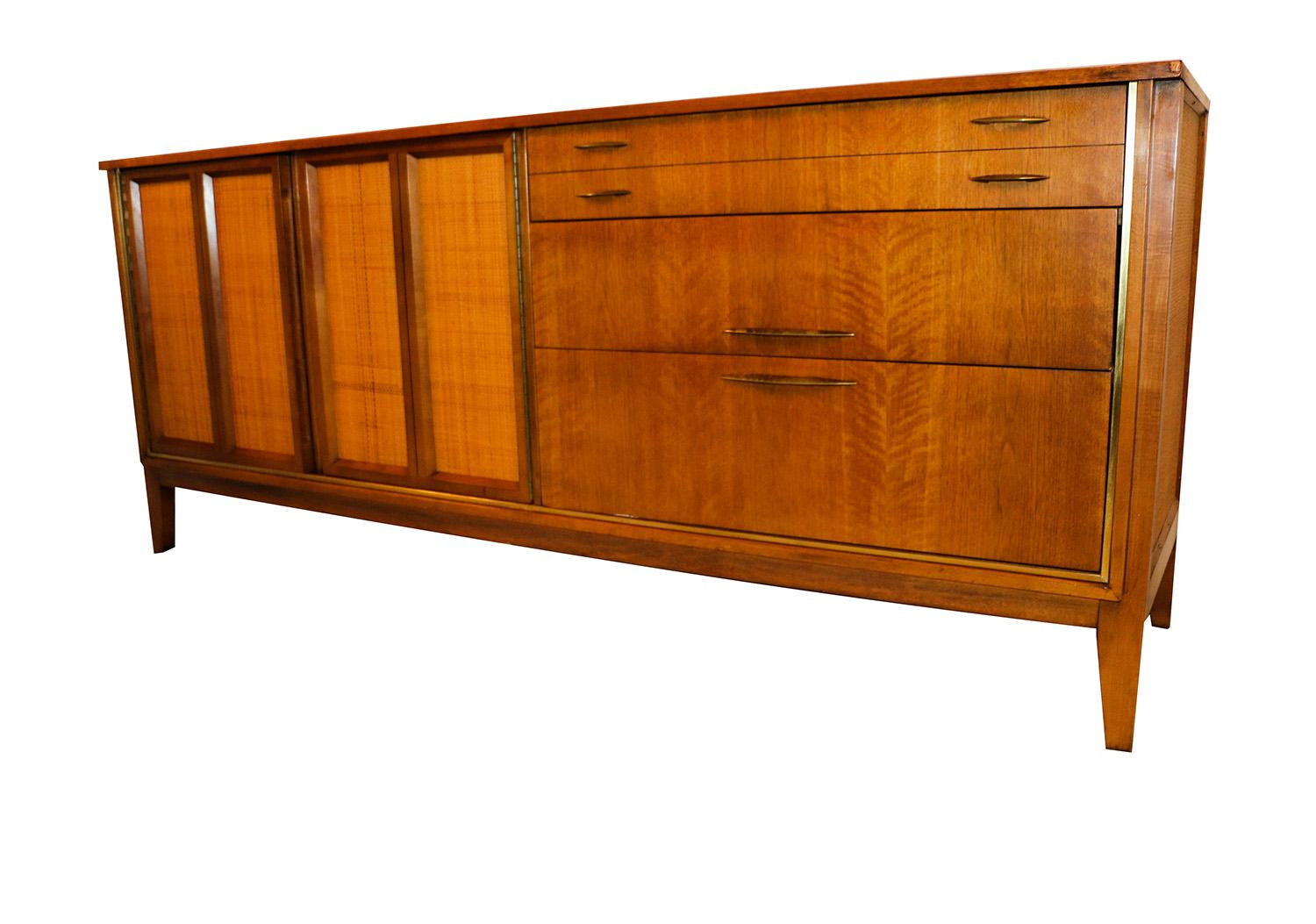 Mid Century Modern Triple Dresser West Michigan Furniture Company   Image 9  Of 9