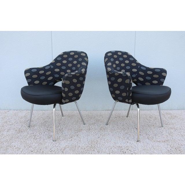 Mid-Century Modern 1950sMid-Century Modern Knoll Eero Saarinen Executive Arm Chairs - a Pair For Sale - Image 3 of 13