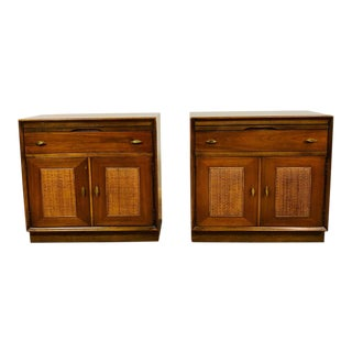 1960s Mid Century Modern R-Way Furniture Company Nightstands - a Pair For Sale