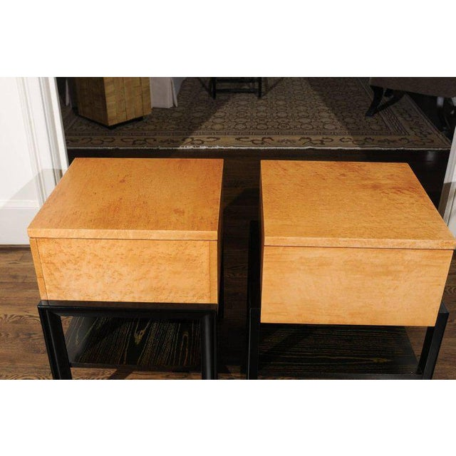 Magnificent Pair of End Tables by Renzo Rutili in Birdseye Maple, Circa 1955 For Sale - Image 11 of 13