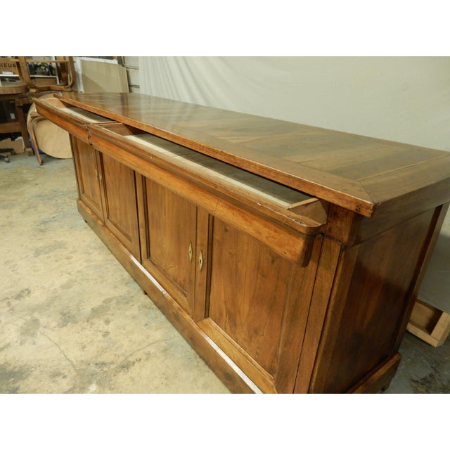 French Walnut 19th Century Enfilade For Sale In New Orleans - Image 6 of 12