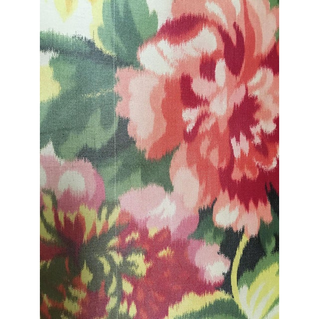 French Moving Sale - Make an Offer - Everything Must Go - Silk Floral Taffeta Fabric - 1.5+ Yards For Sale - Image 3 of 5