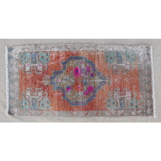 """Early 20th Century Turkish Accent Rug - 1'10"""" X 3'7"""" For Sale In Los Angeles - Image 6 of 8"""