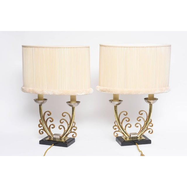Gold Pair of Art Deco Table Lamps in Brass and Silver with Shades, France, 1920s For Sale - Image 8 of 9