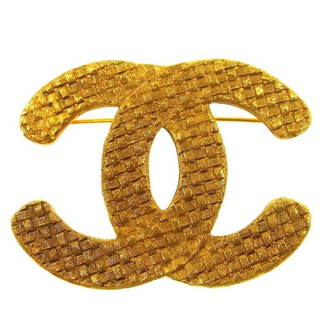 Late 20th Century Chanel Gold Textured CC Charm Lapel Brooch For Sale - Image 5 of 5