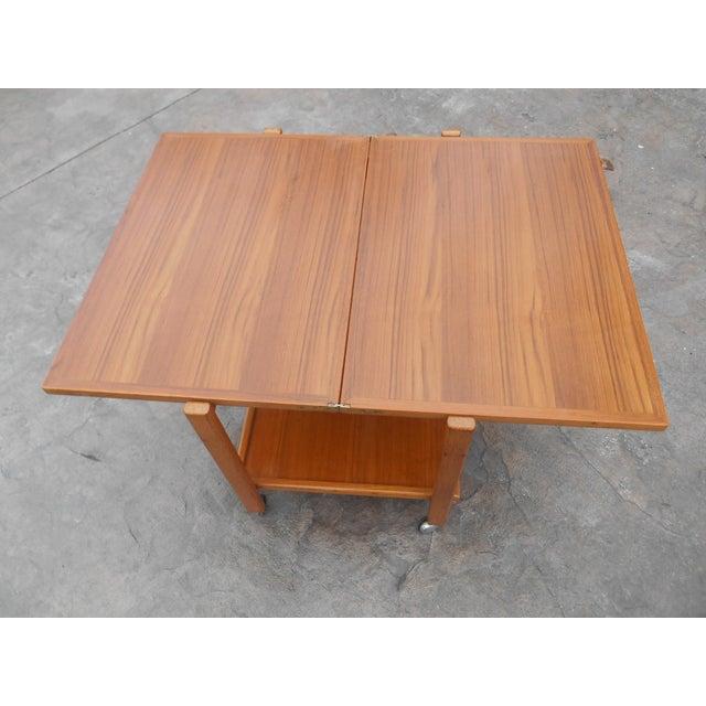 1960s Danish Modern Flip Top Teak Serving Cart / Table For Sale - Image 4 of 7