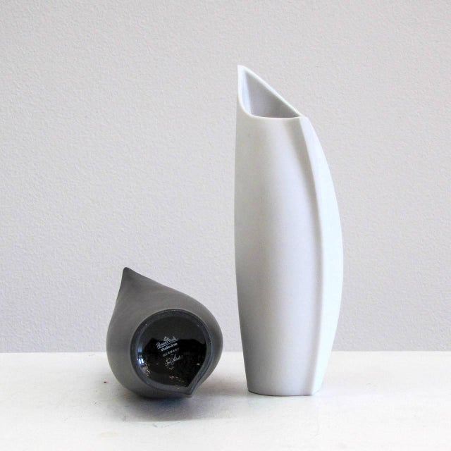 "Lino Sabattini for Rosenthal ""Penguin"" Vases - a Pair For Sale - Image 10 of 11"