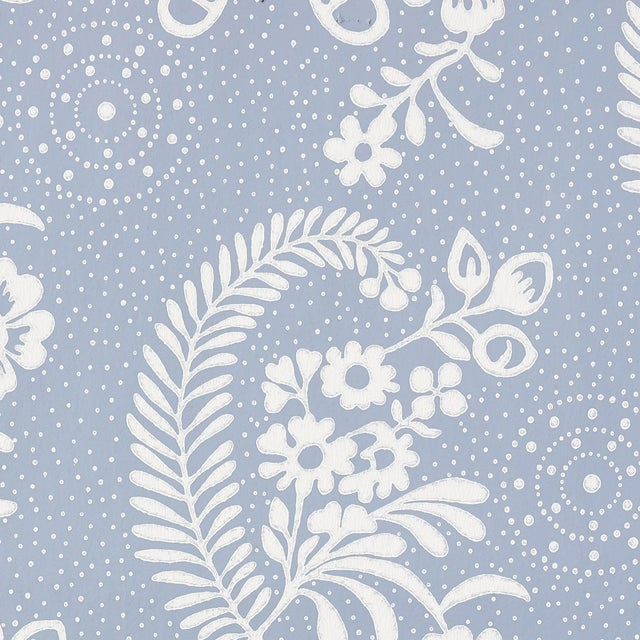 Contemporary Schumacher Millicent Wallpaper in Delft For Sale - Image 3 of 3