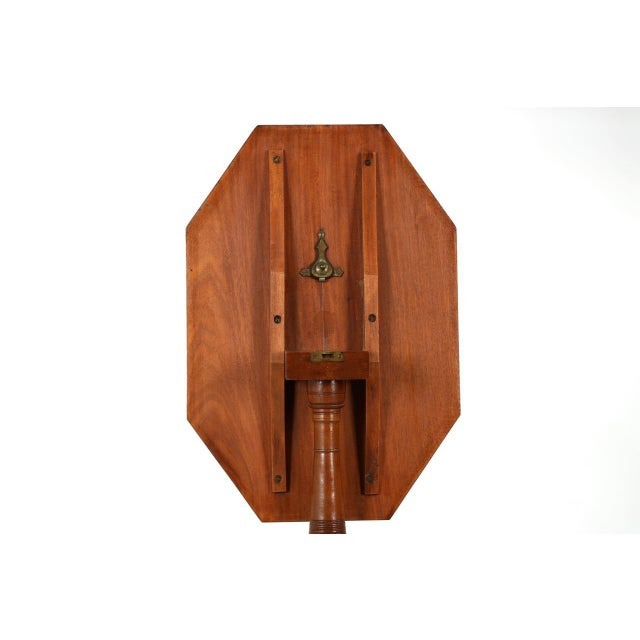 1805-15 American Federal Mahogany Tilting Candle Stand For Sale - Image 4 of 10