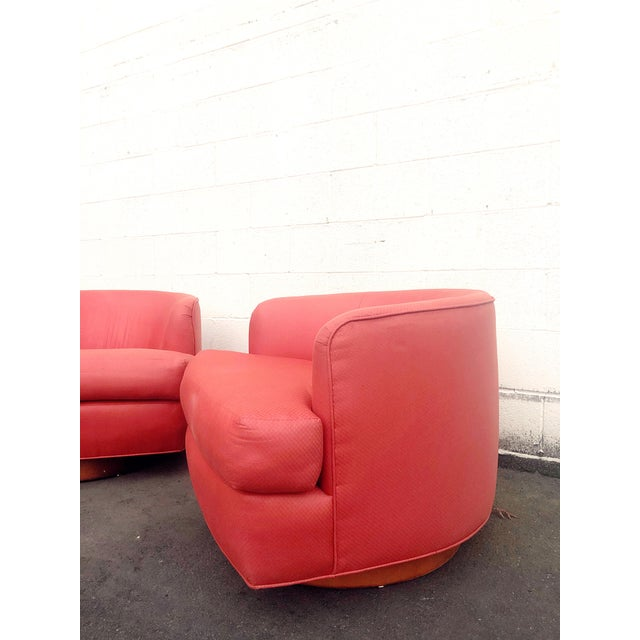 1970s Vintage Milo Baughman Style Custom Swivel Chairs in Original Coral Fabric - a Pair For Sale - Image 5 of 11