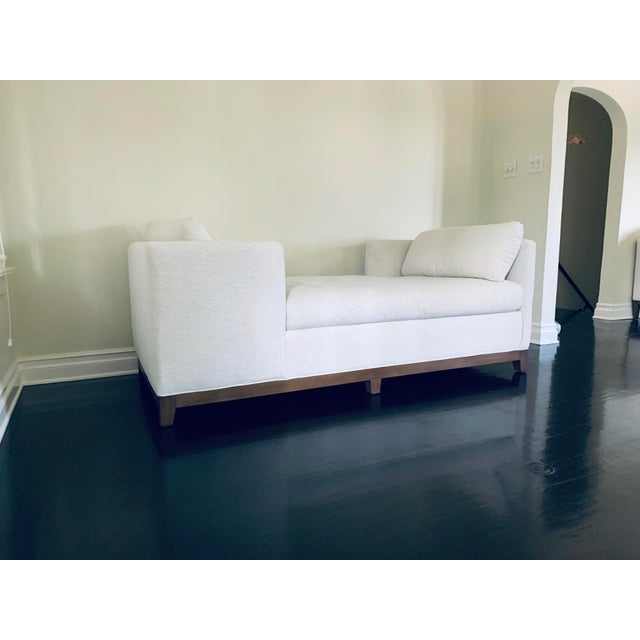 Mid-Century Modern White Lee Industries Chaise For Sale - Image 3 of 5