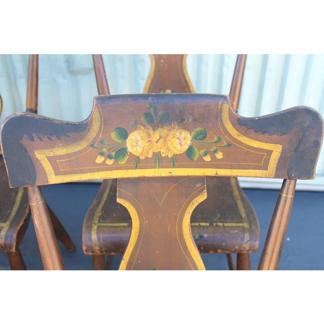 Mid 19th Century Set of Six Original Painted 19th Century Pennsylvania Plank-Bottom Chairs For Sale - Image 5 of 9
