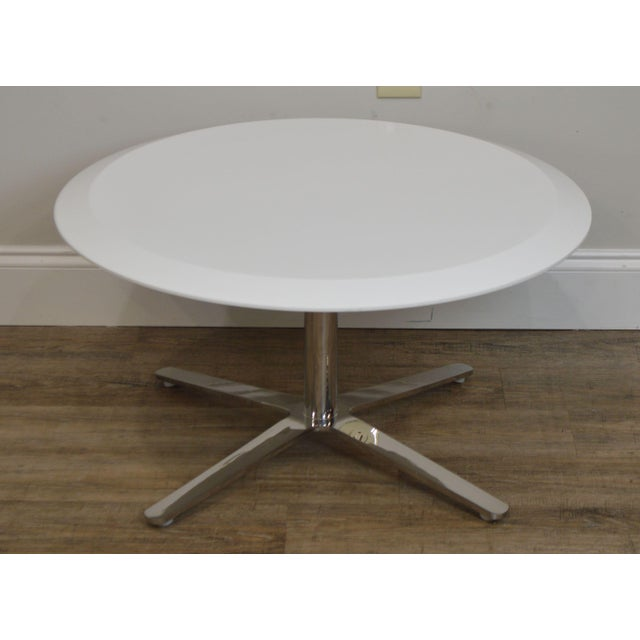 Cumberland Furniture Cumberland Mid-Century Modern Style Pair Chrome Pedestal Base Round White Tables For Sale - Image 4 of 12