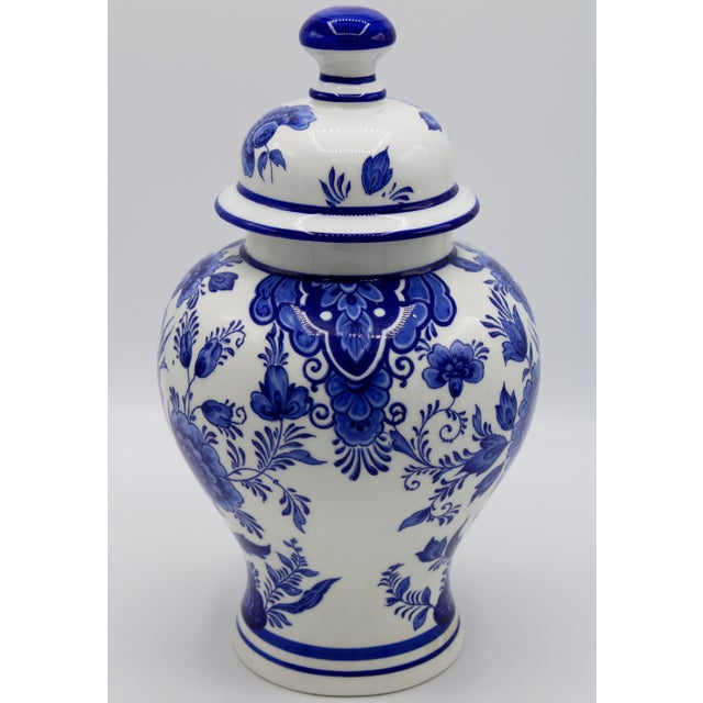 Traditional Mid-20th Century Blue and White Floral Dutch Delft Ginger Jar and Vase Set For Sale - Image 3 of 13