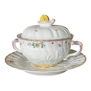 Meissen Swan Service With Indian Flowers With High Karat Gold 2 Piece Covered Soup Set For Sale