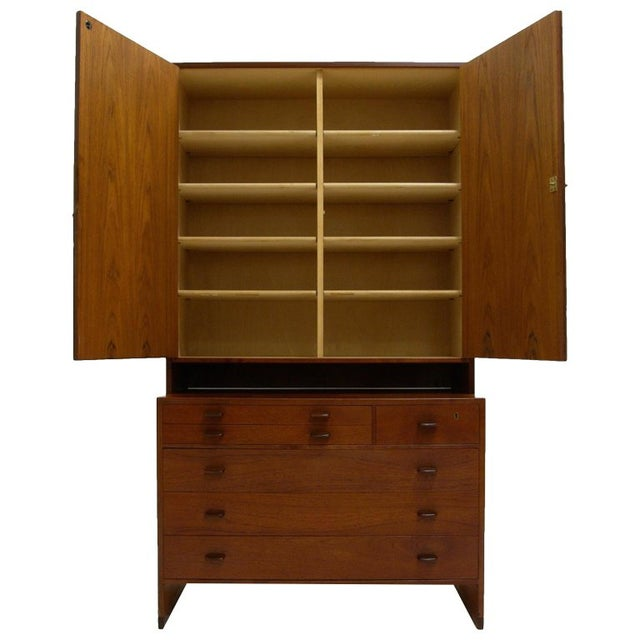 1950s Hans J. Wegner for Ry Furniture Wall Unit With Shelves in Cabinet and Dresser For Sale - Image 5 of 5