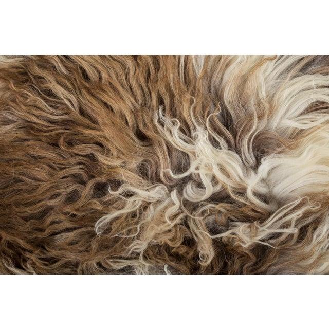 "Contemporary Handmade Wool Sheepskin Pelt Rug - 2'0""x2'9"" For Sale - Image 4 of 7"
