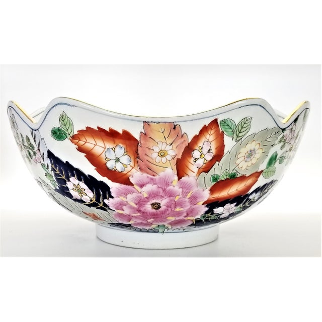 Large Chinese Porcelain Tobacco Leaf Bowl With Gold Trim - Feng Shui - Asian Palm Beach Boho Chic Flowers Peony Tropical Coastal For Sale - Image 4 of 13