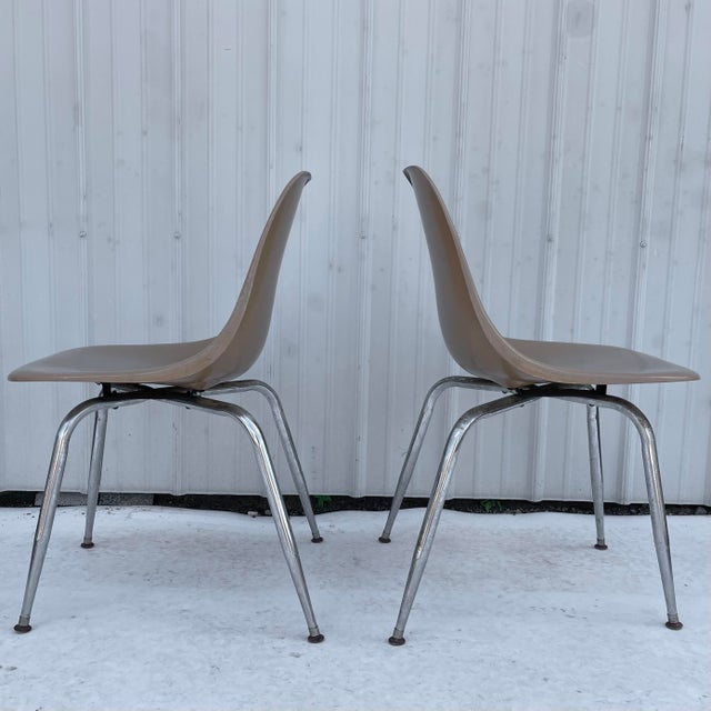 1970s Pair Mid-Century Eames Style Shell Chairs For Sale - Image 5 of 13