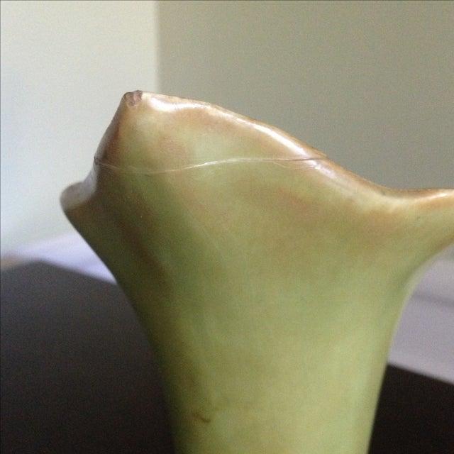 Mid-Century Lily & Leaf Ceramic Vase - Image 6 of 11
