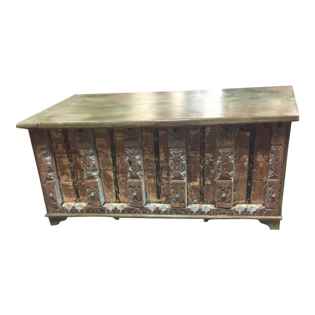 Vintage Distressed Natural Wood Trunk Table For Sale