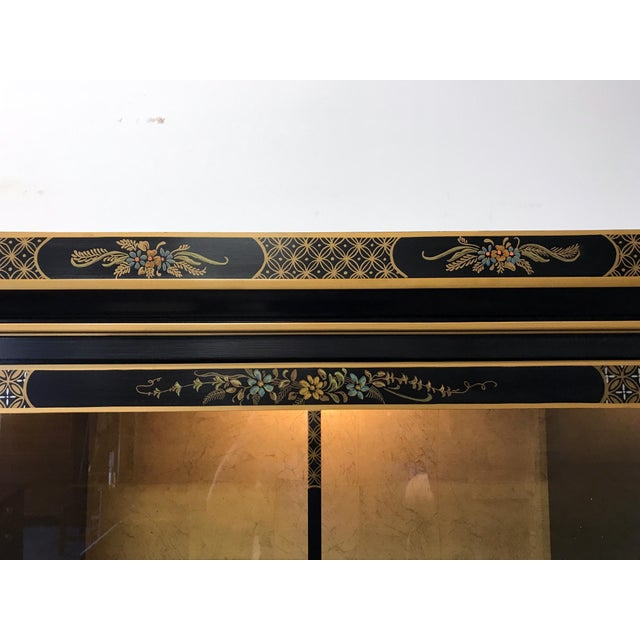 DREXEL HERITAGE Et Cetera Asian Chinoiserie Breakfront China Cabinet For Sale - Image 9 of 11