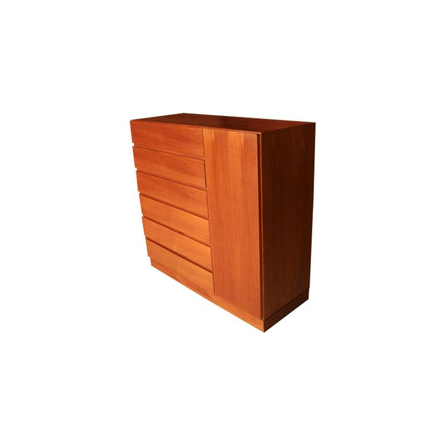 One of the most attractive work in sculpted teak by Vinde Møbelfabrik, Denmark, designed by Wahl Iversen circa 1970s....