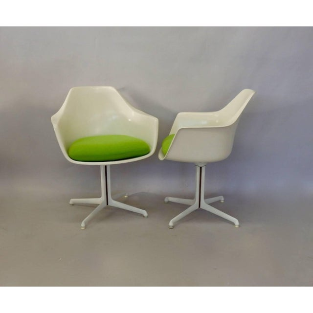 Burke, Inc. Burke White Fiberglass Swivel Dining Chairs - Set of 4 For Sale - Image 4 of 6