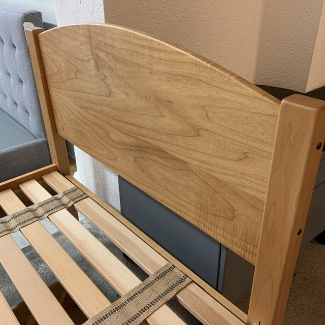 """Contemporary Twin Size Pacific Rim """"The Classic"""" Solid Maple + Integrated Storage For Sale - Image 3 of 12"""