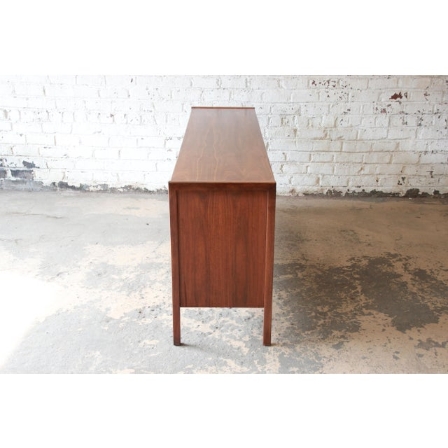 Mid-Century Modern Walnut Twelve-Drawer Dresser or Credenza by Founders For Sale - Image 11 of 13